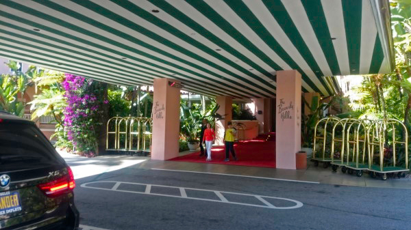 A HÍRES BEVERLY HILLS HOTEL // THE FAMOUS BEVERLY HILLS HOTEL